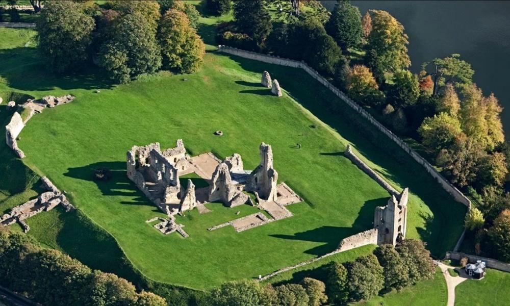 Sherborne-Castle2
