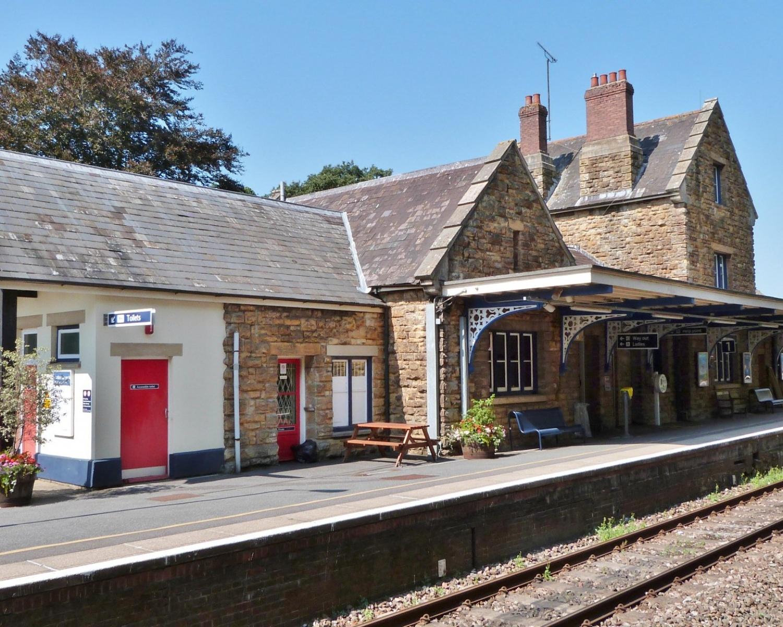 Sherborne_Station_(9522684582)
